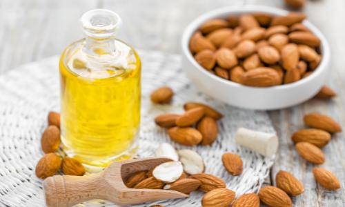 utilisez-huile-vegetale-amande-douce-pour-les-imperfections
