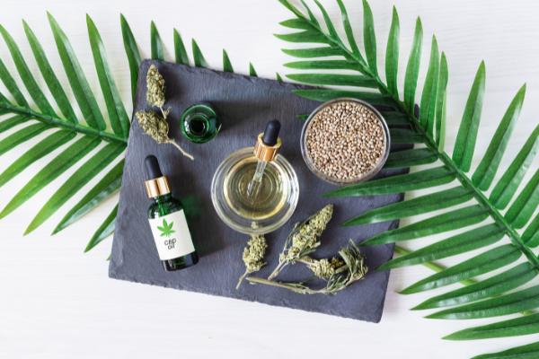 cbd-parfumé-relaxante-herboriste-tilleul-gingembre-hibiscus-antioxydants-saveur-réglisse-toxine-savoureux-végétal-séchée-diurétique-filtrés-ballonnement-stimulant
